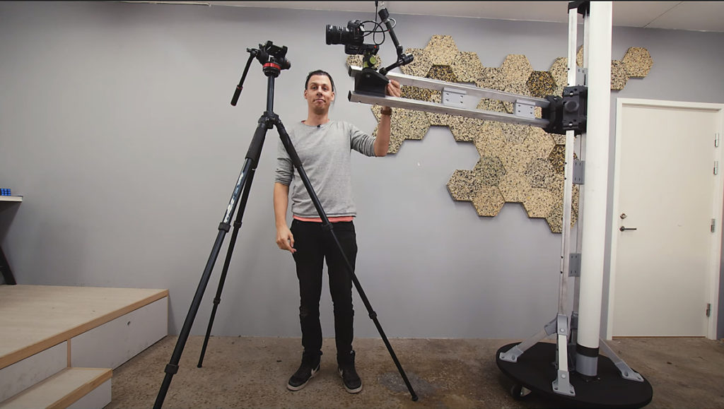 A Custom Designed 3D Printed $10,000 Studio Stand That You Can DIY