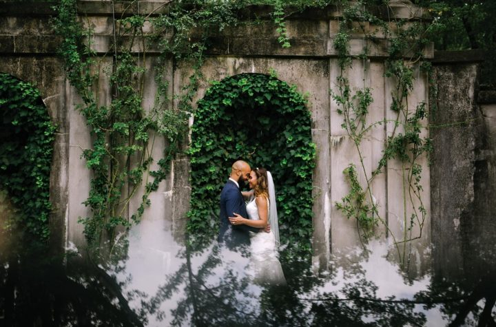 Love story: 4 strategies to get couples to forget about the camera