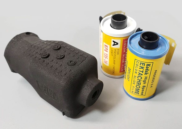 Kickstarter: Compact Reveni Labs Spot Meter uses unique two-eye aiming method